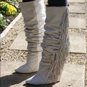 🔥host pick 🔥 Tall wedge suede fringe boots